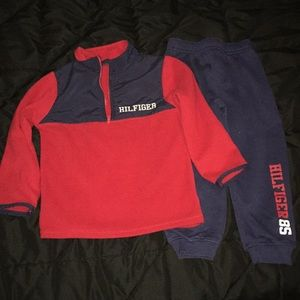 Tommy Hilfiger pullover and pant set. 4t.